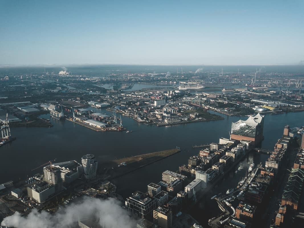Luftaufnahme HafenCity und Steinwerder  - Foto: Mediaserver Hamburg
