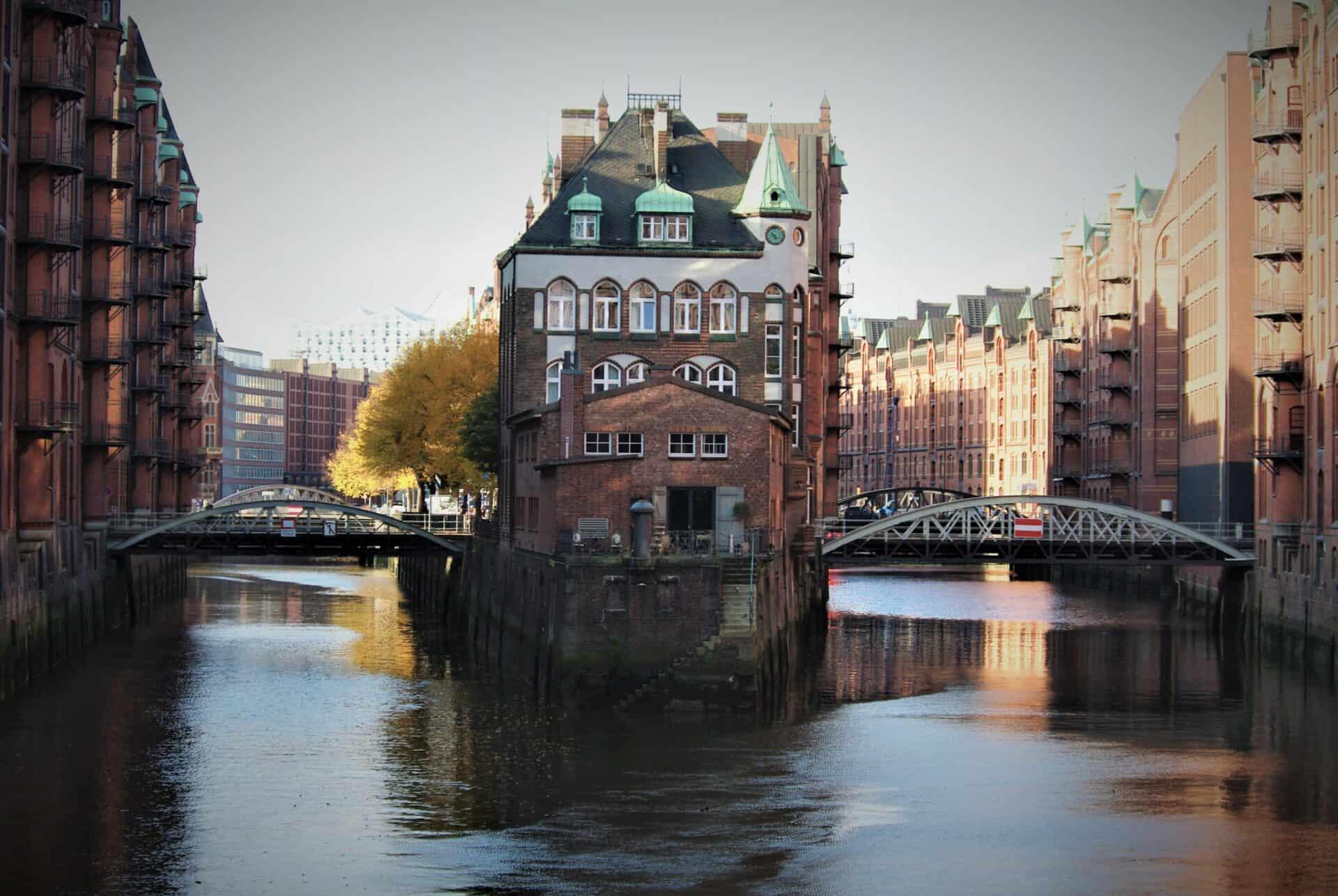 Wasserschloss Speicherstadt Hamburg  - Foto: Jürgen Schlenker