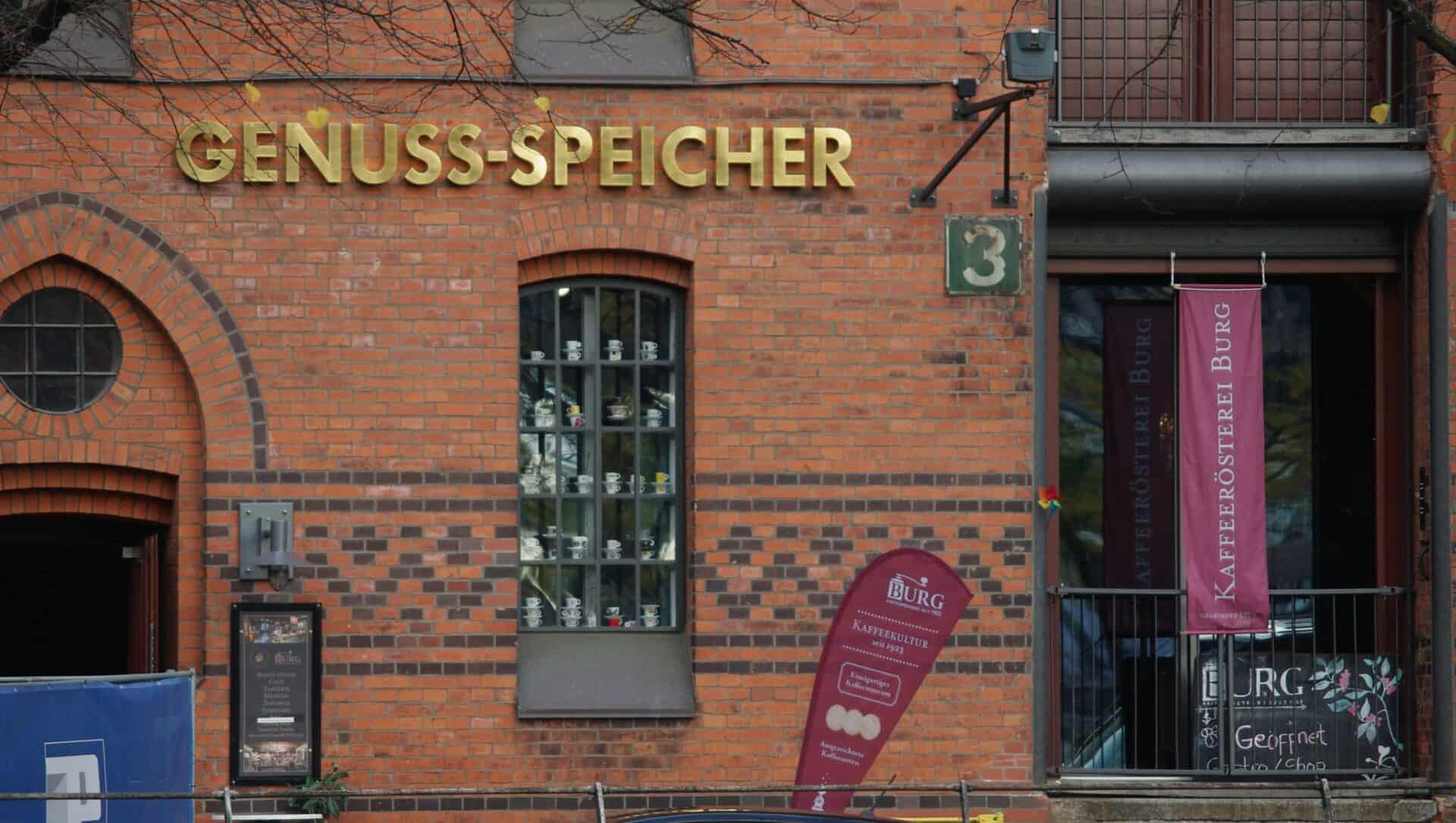 Coffee trade in the Warehouse district - Photo: Jürgen Schlenker