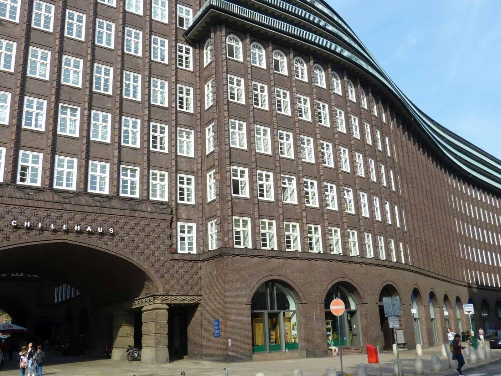 Kontorhausviertel Rundgang: Chilehaus - Foto: Fred Schübbe
