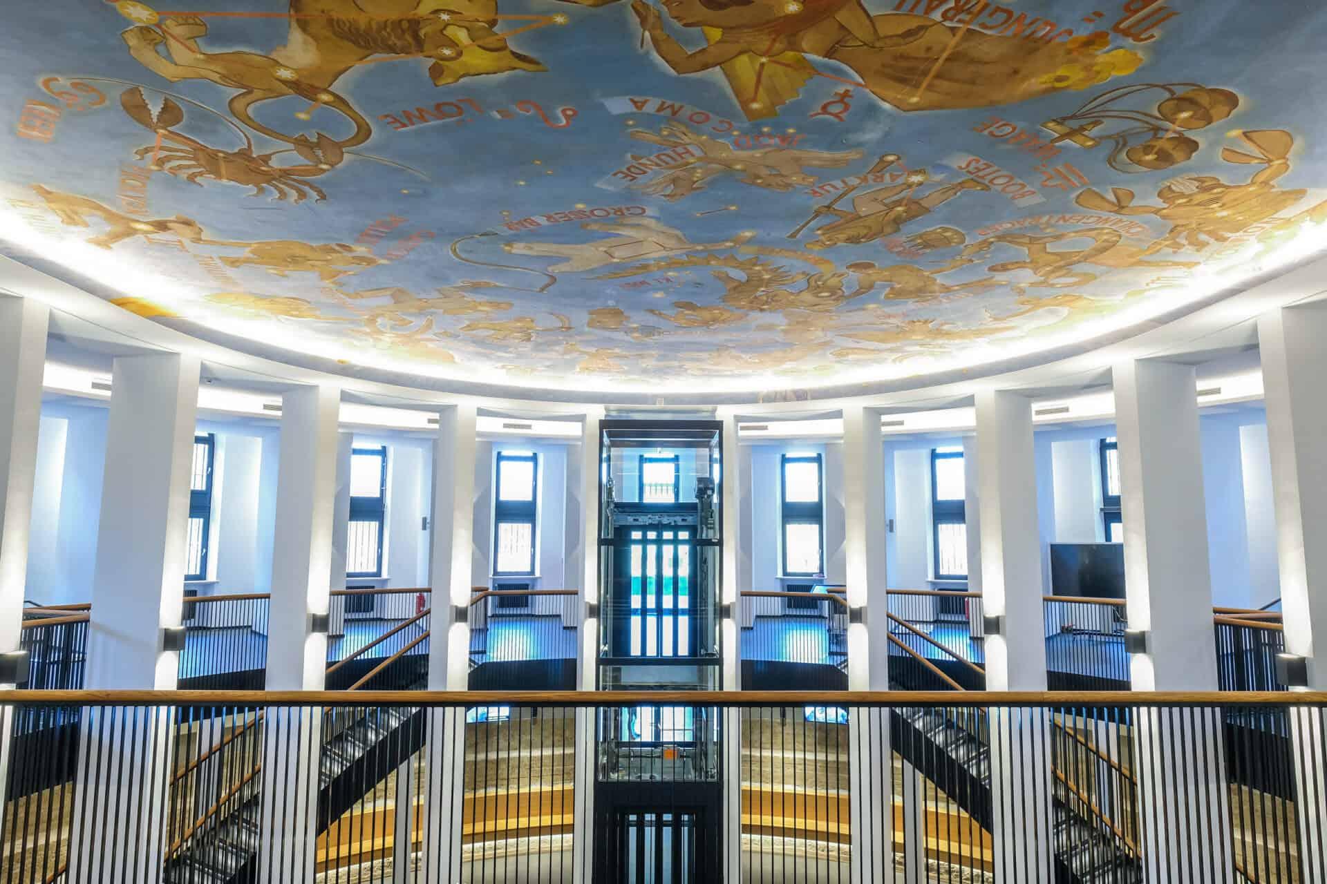 Planetarium Hamburg - Foyer (Bildrechte: Fotografenwerk)