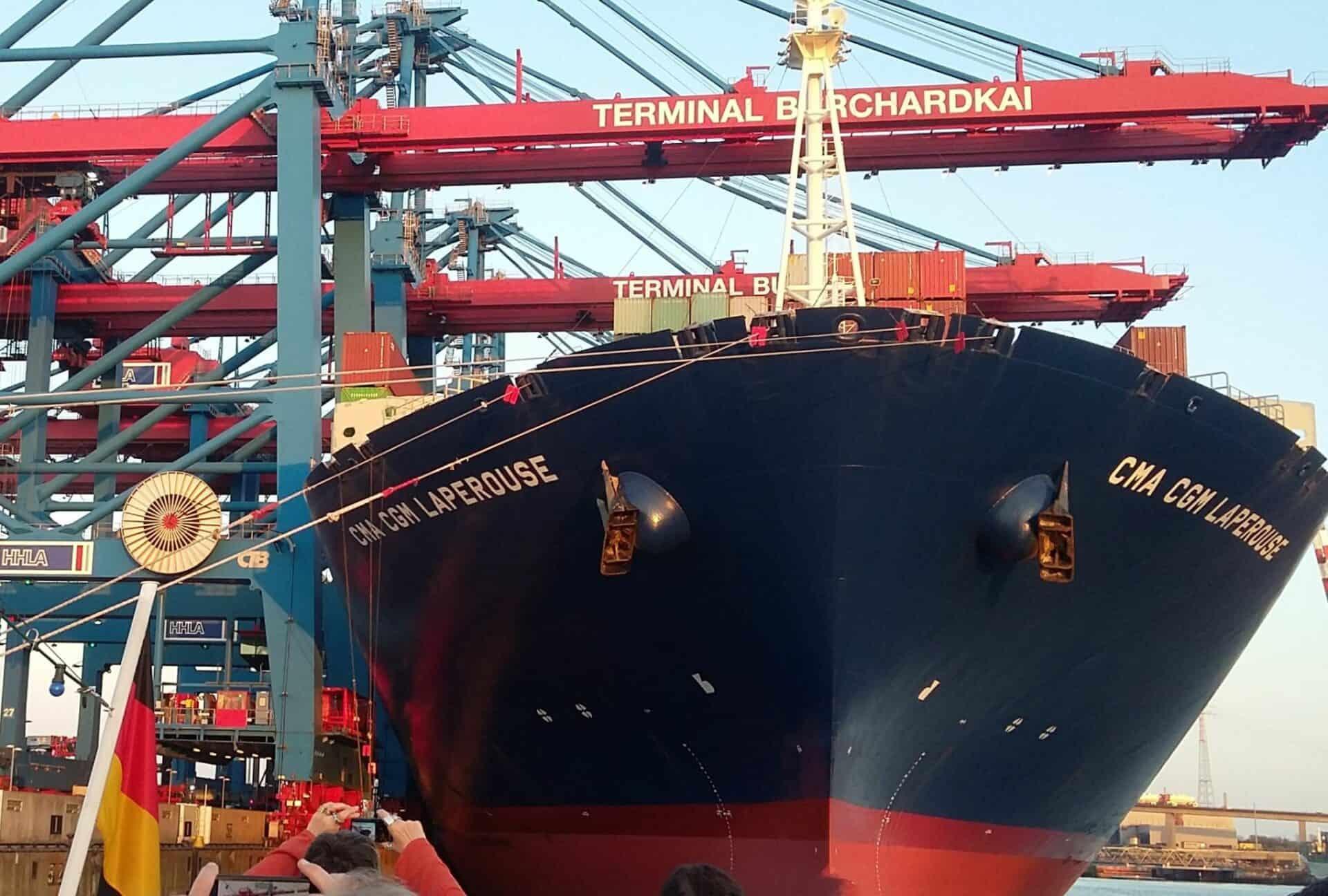Hafen Hamburg - Große Pötte - Foto Jürgen Schlenker