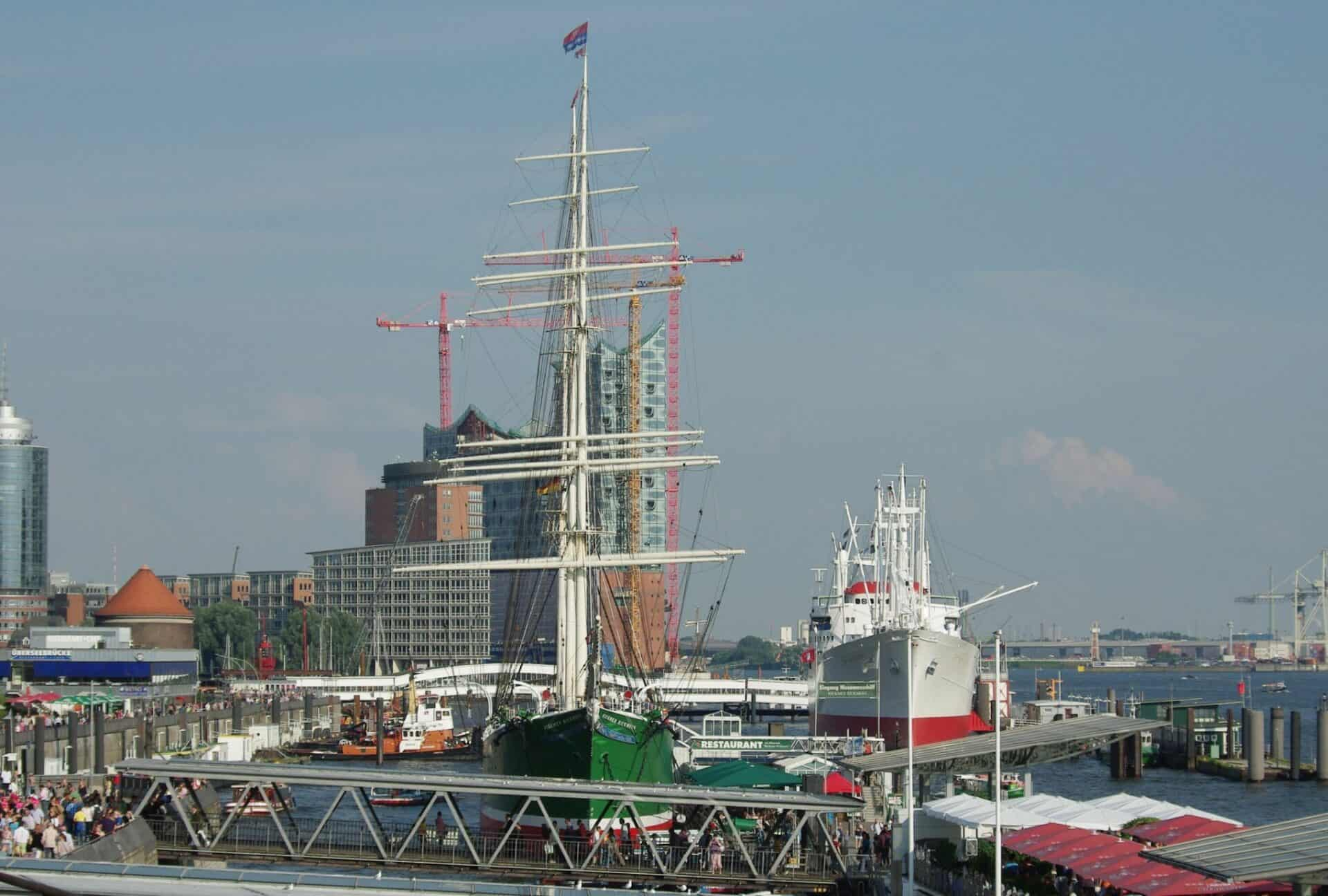 Hafen Hamburg - Museumsschiffe - Foto Jürgen Schlenker