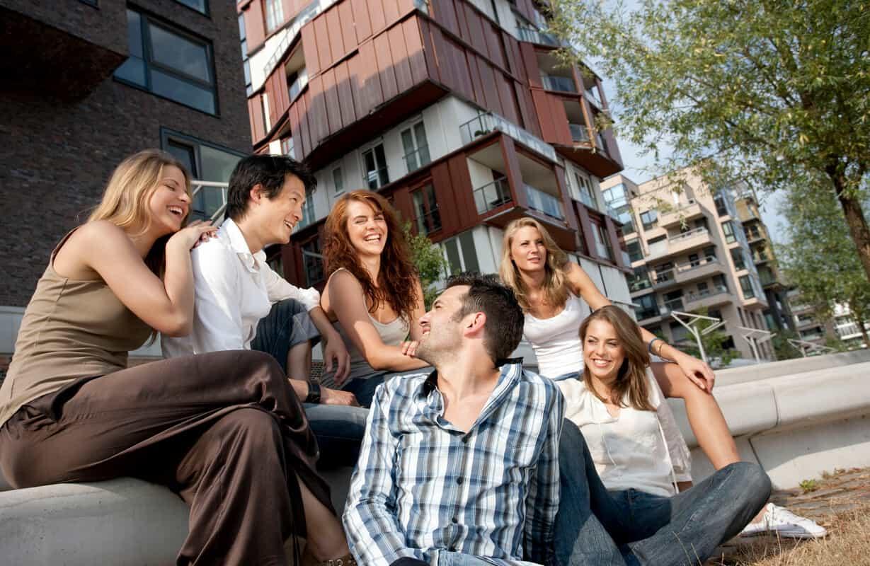 Junge Leute HafenCity